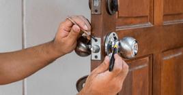 locksmith fixing home door